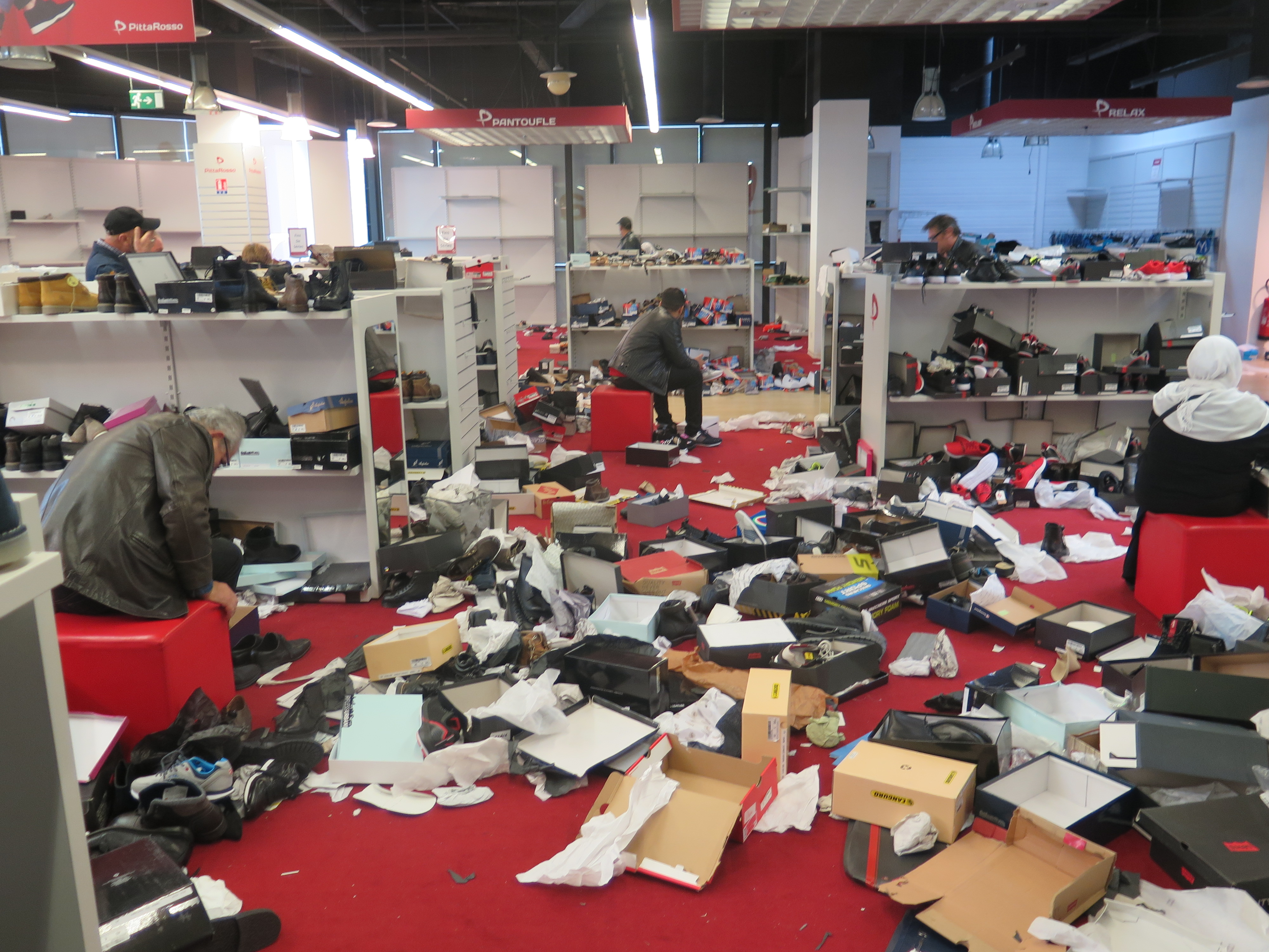 le magasin de chaussures pitta rosso