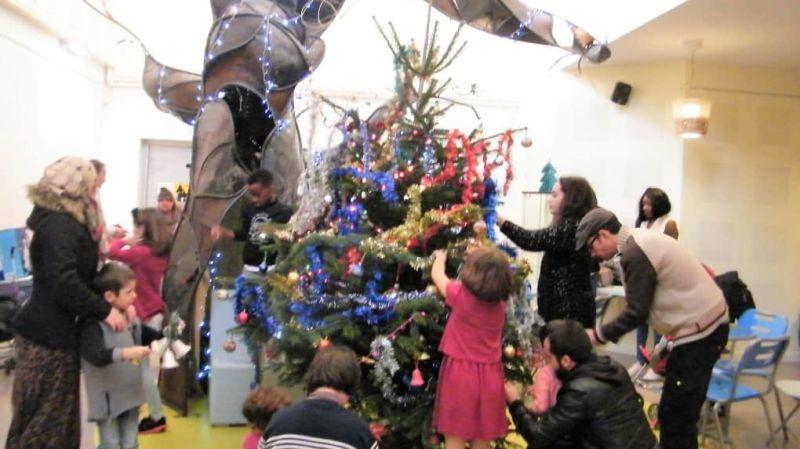 Les décorations de Noël ont été installées vendredi.