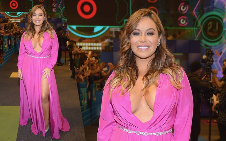 Premios Juventud 2015 Red Carpet Photos: Chiquis Rivera