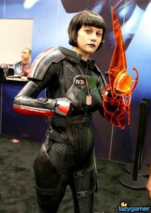 cosplay-Mass-Effect-Engineer