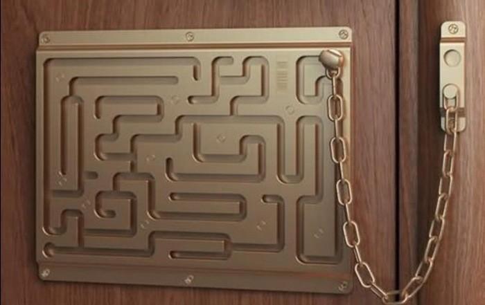 Defendius-Labyrinth-Security-Lock-500x346