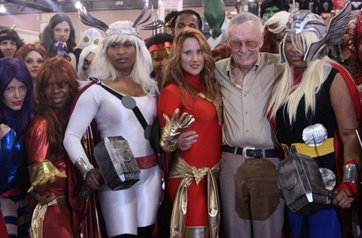 thors-hammer-stan-lee-pee