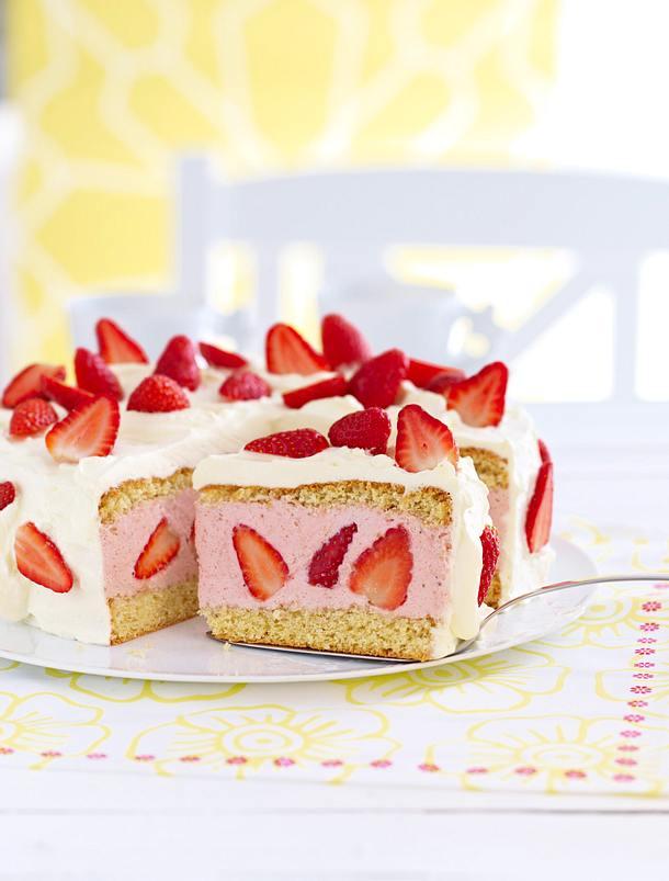 ErdbeerSahneTorte Rezept  LECKER