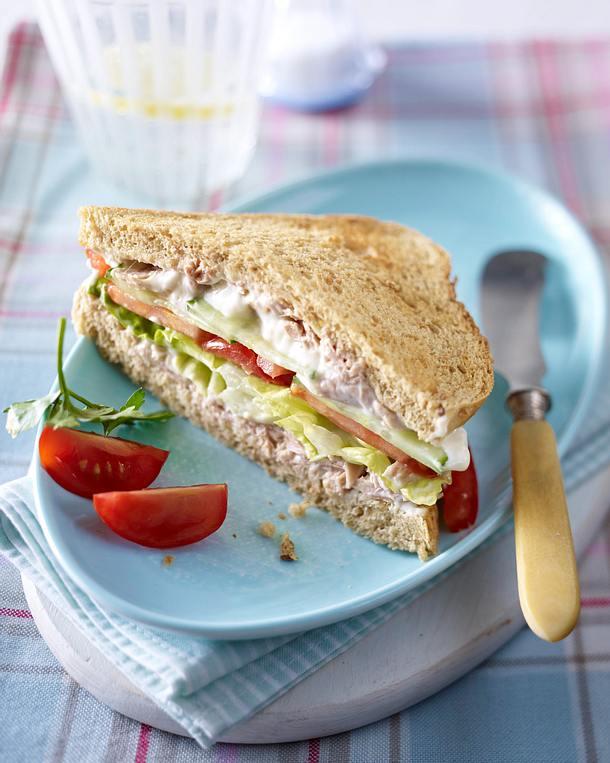 Vollkorn Sandwich mit Thunfischcreme Rezept  LECKER