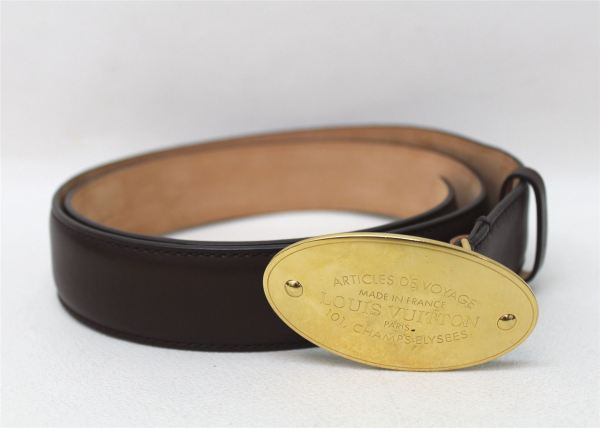 Louis Vuitton Men' Brown Leather Medium Width Belt With