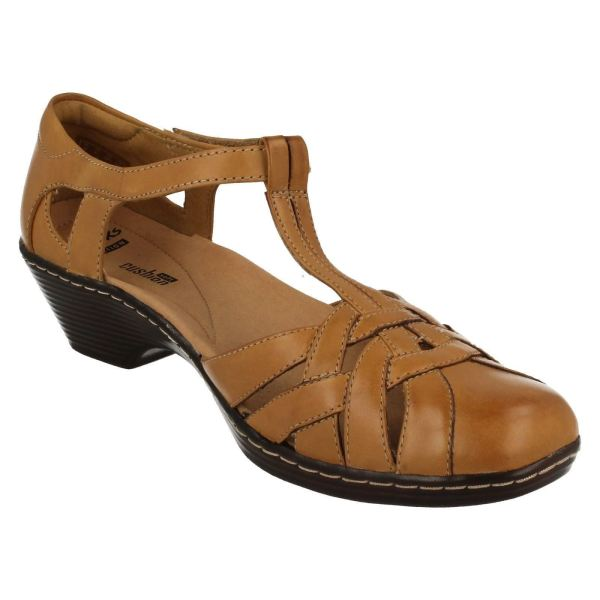 Ladies Clarks Closed Toe Heel Leather Summer Shoe