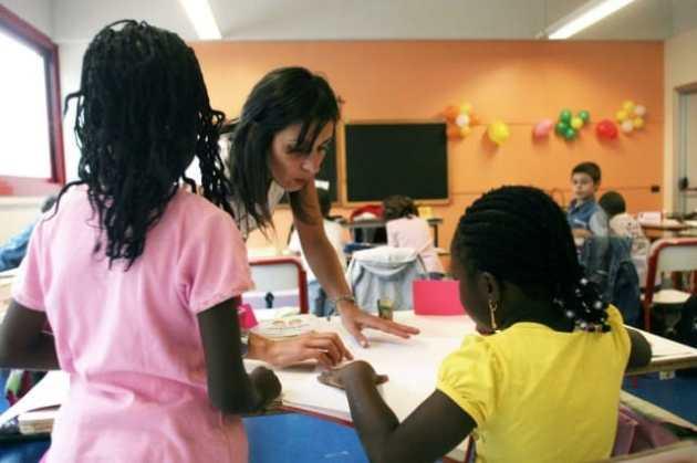 28pol3-scuola-bambini-immigrati