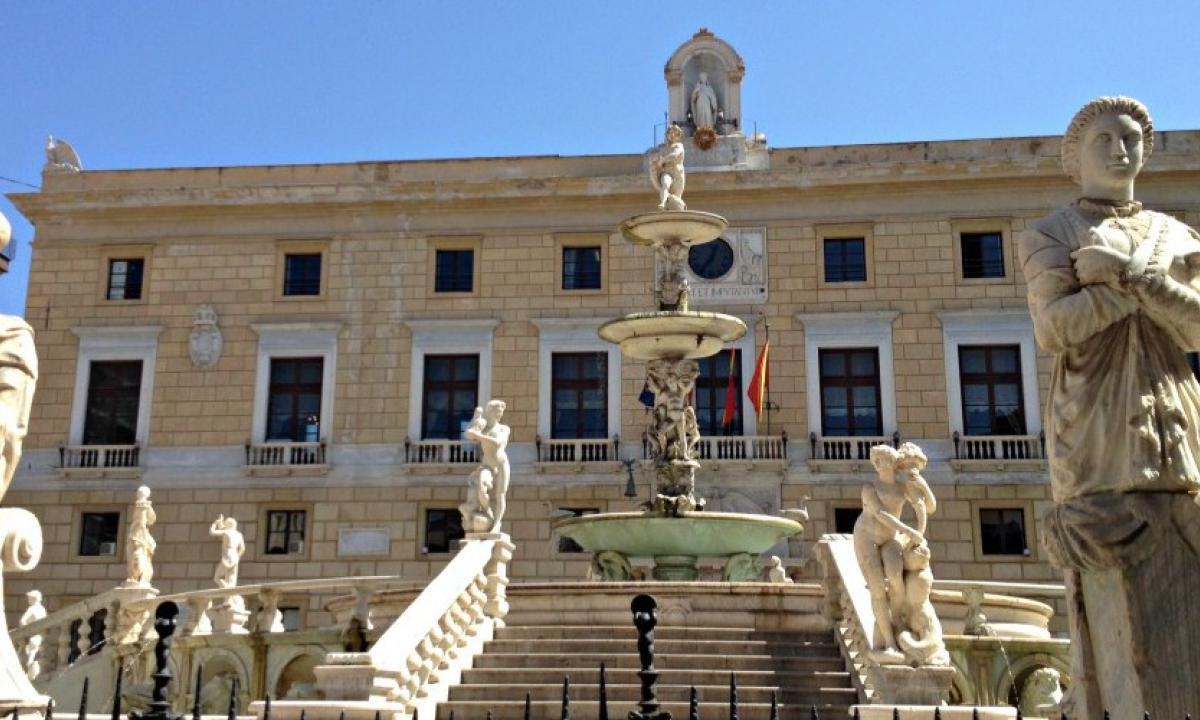 Palermo celebra Santa Rosalia: omaggio floreale alla Santuzza