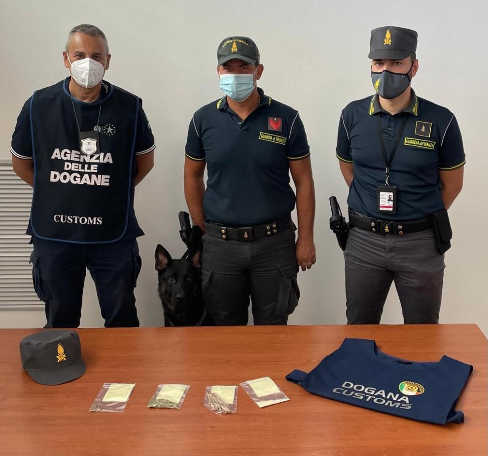 Sequestro droga-Palermo- Cane antidroga
