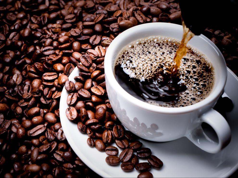 tazza e chicchi di caffè