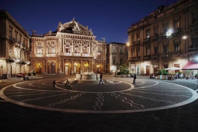 piazza teatro