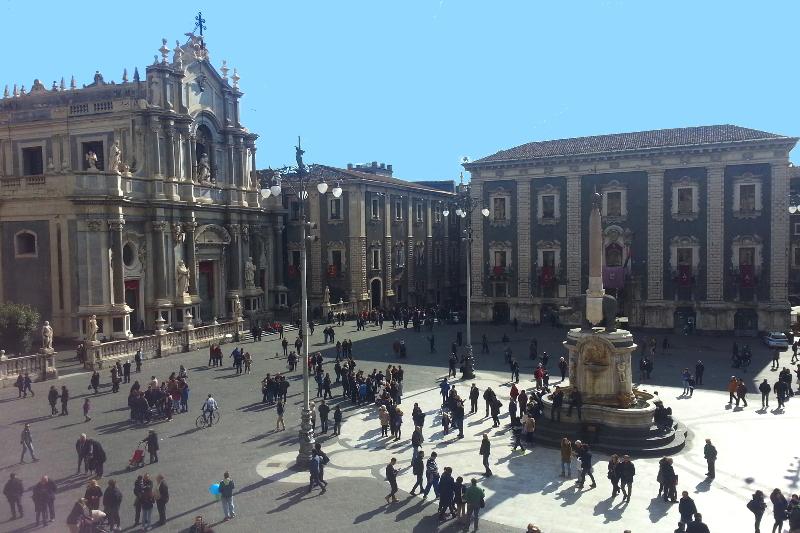 Catania, in arrivo nuova tassa di soggiorno: estesa alle locazioni ...