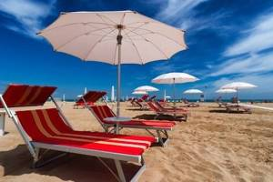 ombrelloni spiaggia in Sicilia