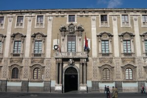 municipio palazzo degli elefanti