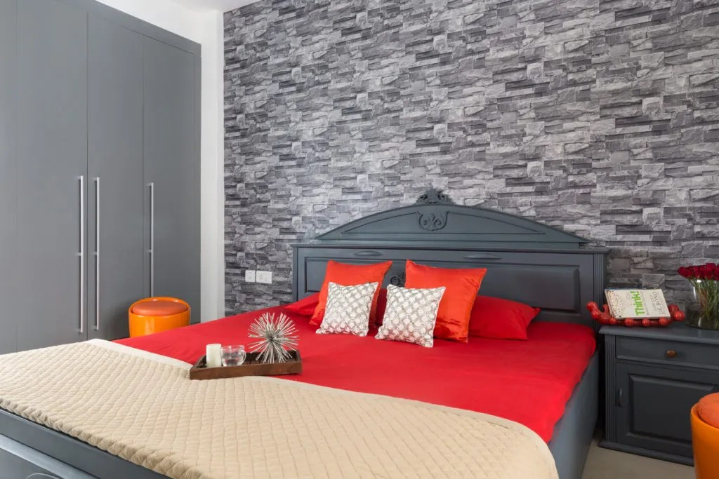 8 bedroom accent wall