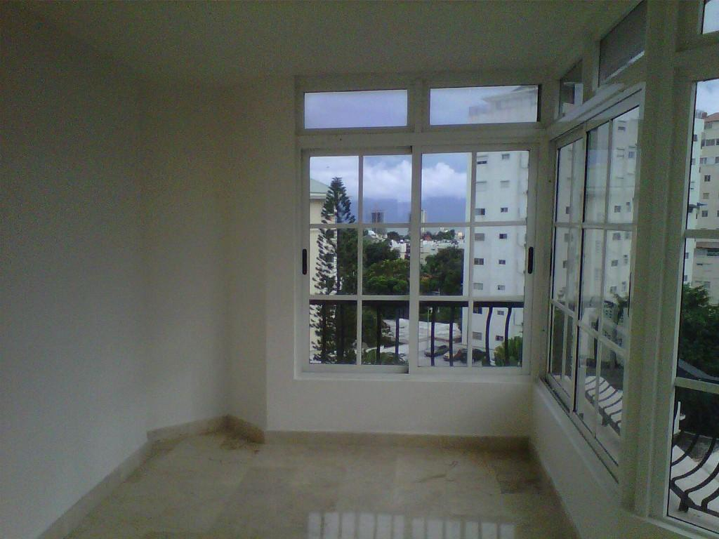 Alquiler Apartamento de 4 hbs la esperilla Sto Dgo RD