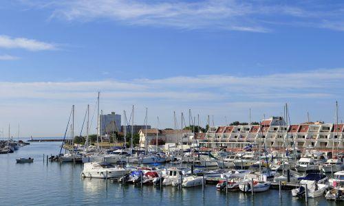 Location studio Carnon plage vue sur mer et port  deux pas de la plage 20408001  locationet
