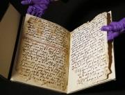 Les feuillets manuscrits étaient conservés depuis près d'un... (PHOTO FRANK AUGSTEIN, AP) - image 1.0
