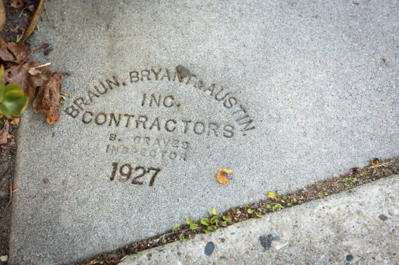 On several stairs, you can still see the print of the contractor, here Braun, Bryant &amp; Austin, on a staircase built in 1927. (PHOTO OLIVIER JEAN, THE PRESS) &quot;title =&quot; &quot;/&gt; </div data-recalc-dims=