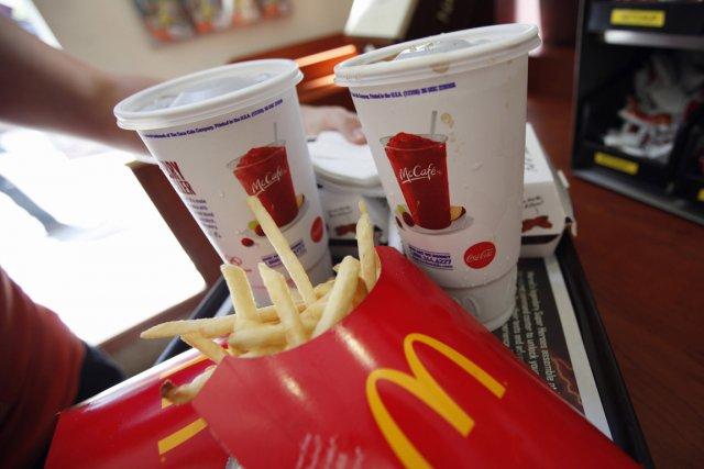 Pour savourer son Big Mac allégé en bactéries, mieux vaut se rendre aux... (PHOTO MIKE SEGAR, REUTERS)
