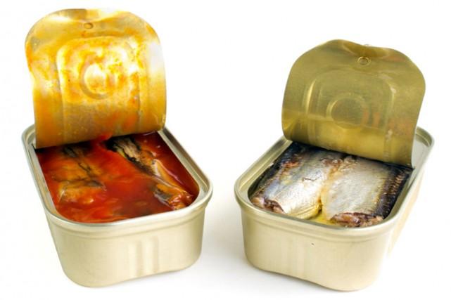 Les sardines en boîte fêtent leurs 200 ans et les conserveries misent sur le... (PHOTO PHOTOS.COM)