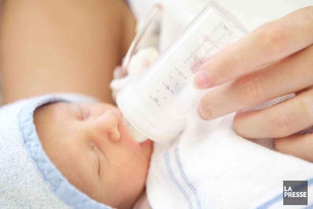 Contrairement aux banques de lait maternel, qui filtrent... (Photothèque La Presse)