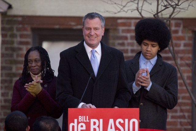 Dante de Blasio (à droite) tient la vedette... (Photo: Reuters)
