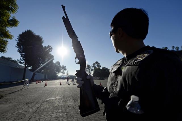 Environ un millier de policiers ont participé mercredi à une vaste opération à... (Archives Reuters)