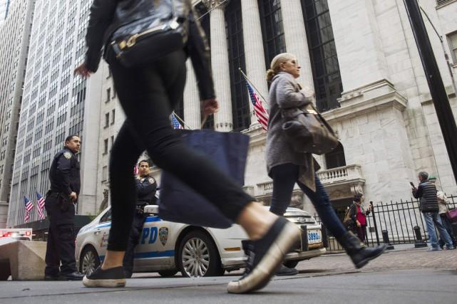 Les policiers américains agissent-ils différemment quand ils ont... (PHOTO LUCAS JACKSON, REUTERS)