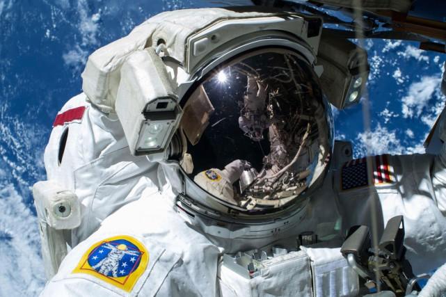 L'exposition à des radiations, comme celles rayonnant dans le cosmos, qui... (PHOTO ARCHIVES REUTERS/NASA)