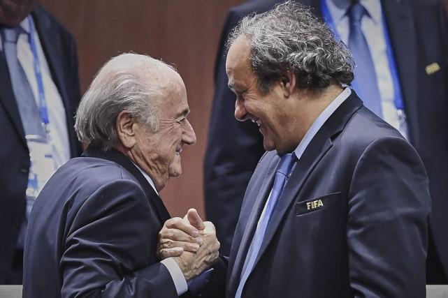 Sepp Blatter ne pardonne pas à Michel Platinide... (PHOTO MICHAEL BUHOLZER, ARCHIVES AFP)