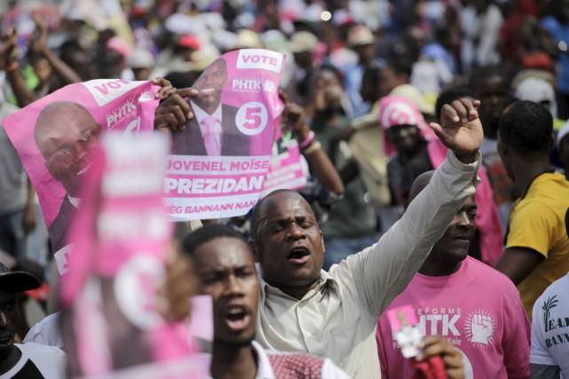 Au premier tour de la présidentielle le 25... (PHOTO ANDRES MARTINEZ CASARES, ARCHIVES REUTERS)
