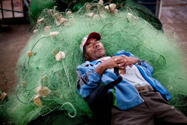 La présence de filets usagés dans l'océan est... (PHOTO RODRIGO ABD, ARCHIVES AP)
