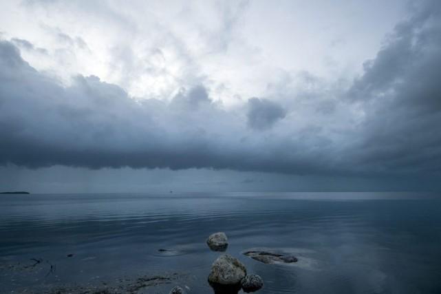 Les nuages régulent la température terrestre en renvoyant... (PHOTO ARCHIVES ASSOCIATED PRESS)