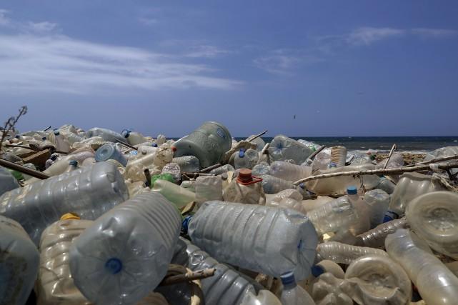 Quelque 8 milliards de tonnes de plastique sont... (ARCHIVES AFP)