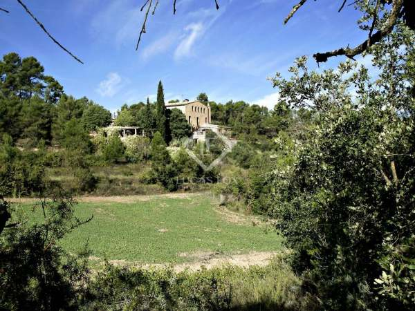 Magnificent Catalan Masia In Barcelona Countryside