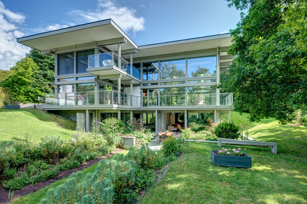 Haus Designer Contemporary Huf Haus Near London Selling For £3.6 Million - Mansion Global