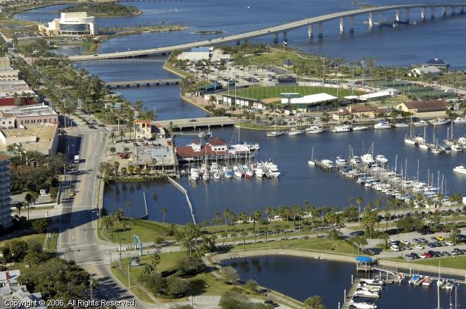 Halifax River Yacht Club In Daytona Beach Florida United