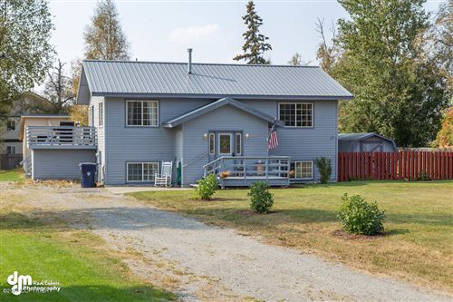 Photo of 1000 S Ellen Street, Palmer, AK 99645 (MLS # 19-18985)