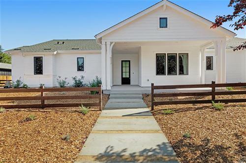 Photo for 929 Highland Court, Calistoga, CA 94515 (MLS # 22013047)