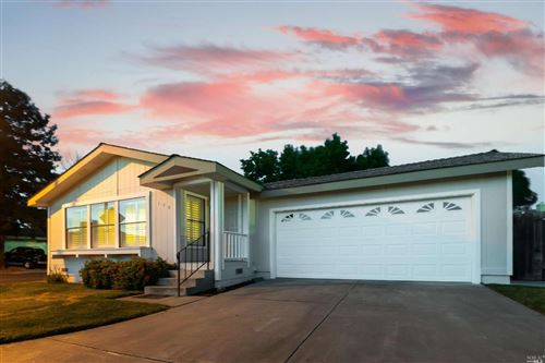 Photo of 190 Creekside Court, American Canyon, CA 94503 (MLS # 22015184)
