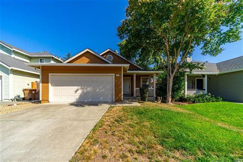 Photo of 2048 Devonshire Drive, Napa, CA 94558 (MLS # 321068978)