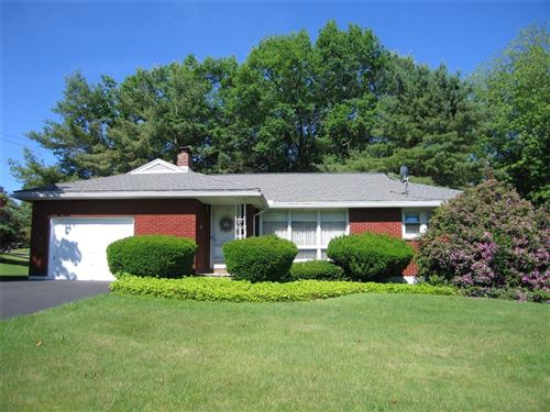 Photo of 701  Imperial Woods Drive, VESTAL, NY 13850 (MLS # 304114)