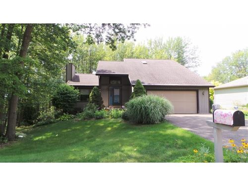 Photo of 947 SOUTHERN PINES DR, ENDWELL, NY 13760 (MLS # 221568)