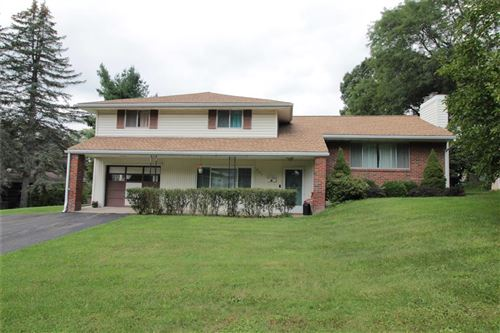 Photo of 905  Imperial Woods Drive, VESTAL, NY 13850 (MLS # 313587)