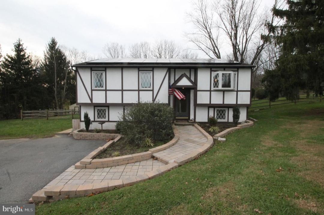 Photo of 241 WALKER RD, LINCOLN UNIVERSITY, PA 19352 (MLS # PACT525016)