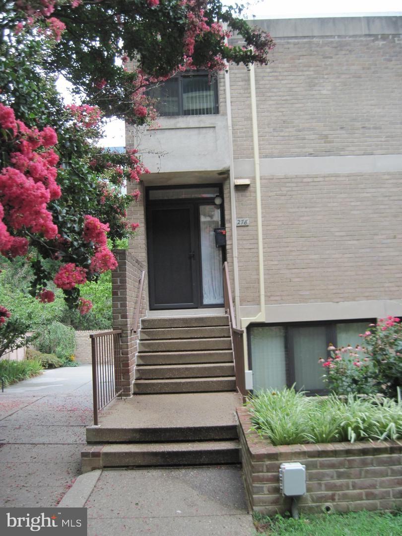 Photo for 278 M ST SW #278, WASHINGTON, DC 20024 (MLS # DCDC480020)