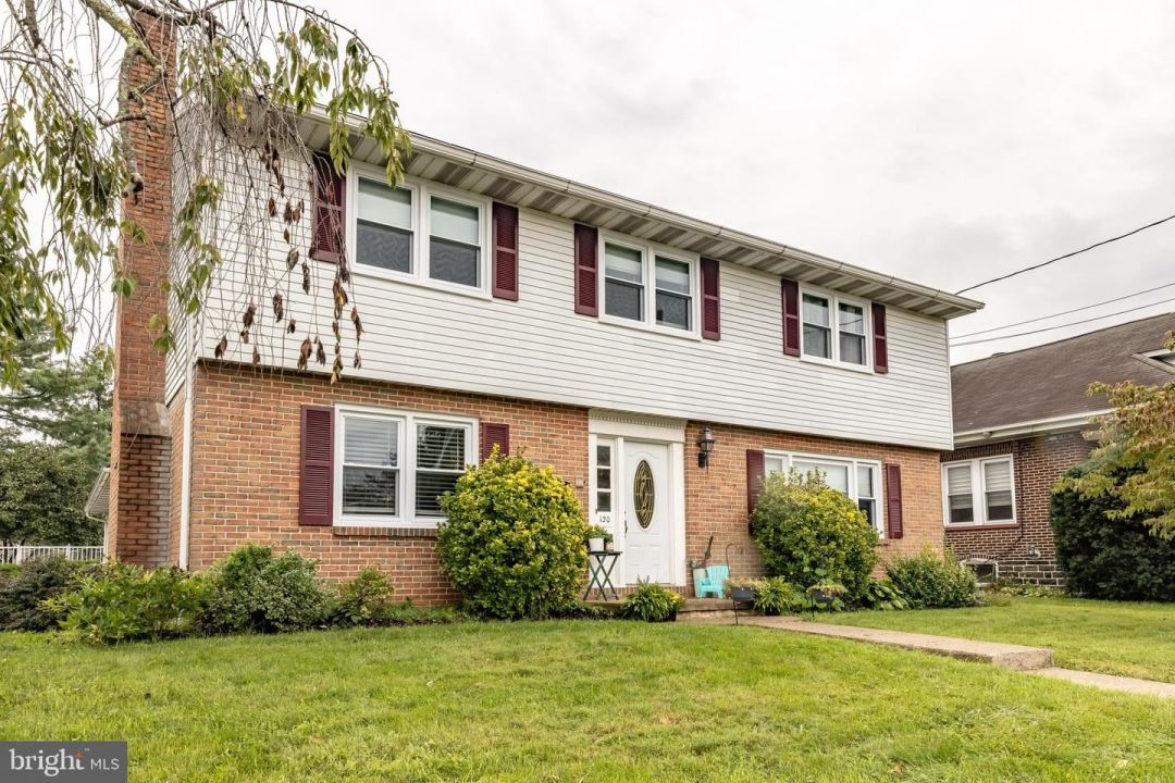 Photo for 120 W LINCOLN AVE, TELFORD, PA 18969 (MLS # PAMC2011120)