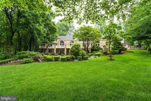Photo of 495 RIVER FOREST DR, GREAT FALLS, VA 22066 (MLS # 1000334146)