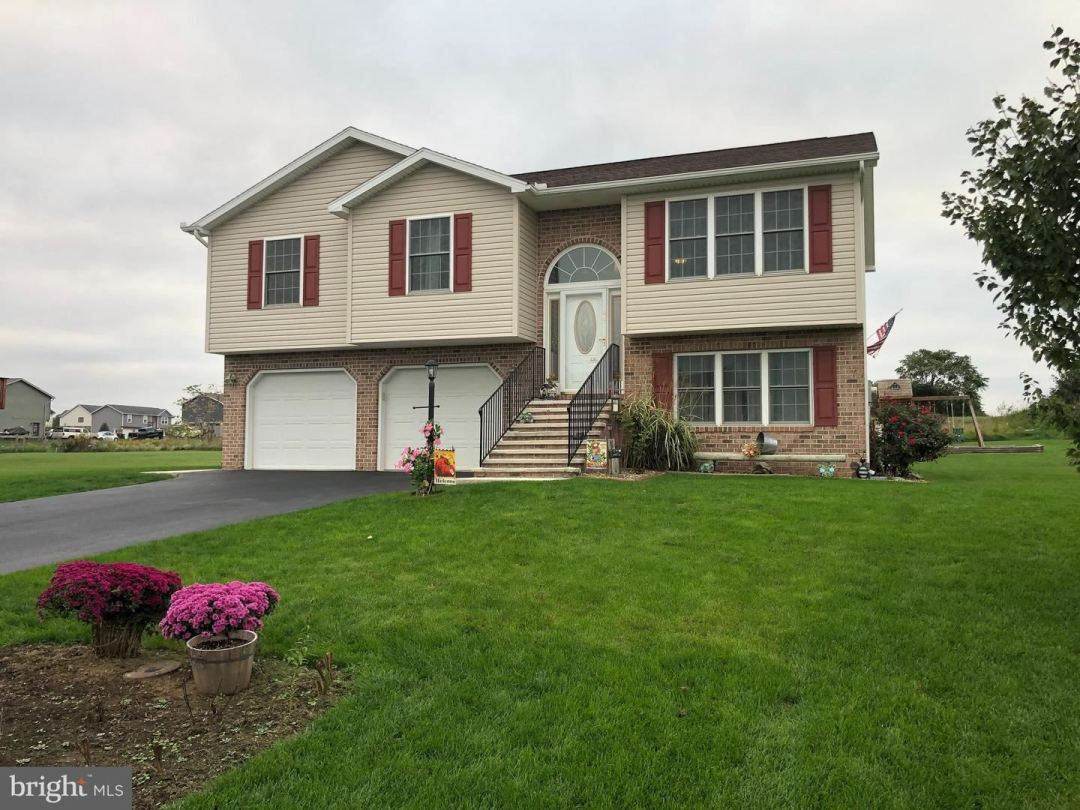 Photo of 44 NOBLE DR, SHIPPENSBURG, PA 17257 (MLS # PAFL2000151)